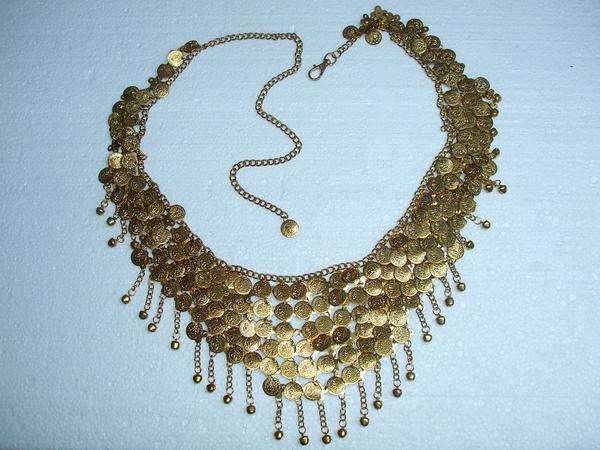modne naszyjniki ze złota
