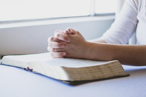 książki katolickie dla młodzieży z obrazkami